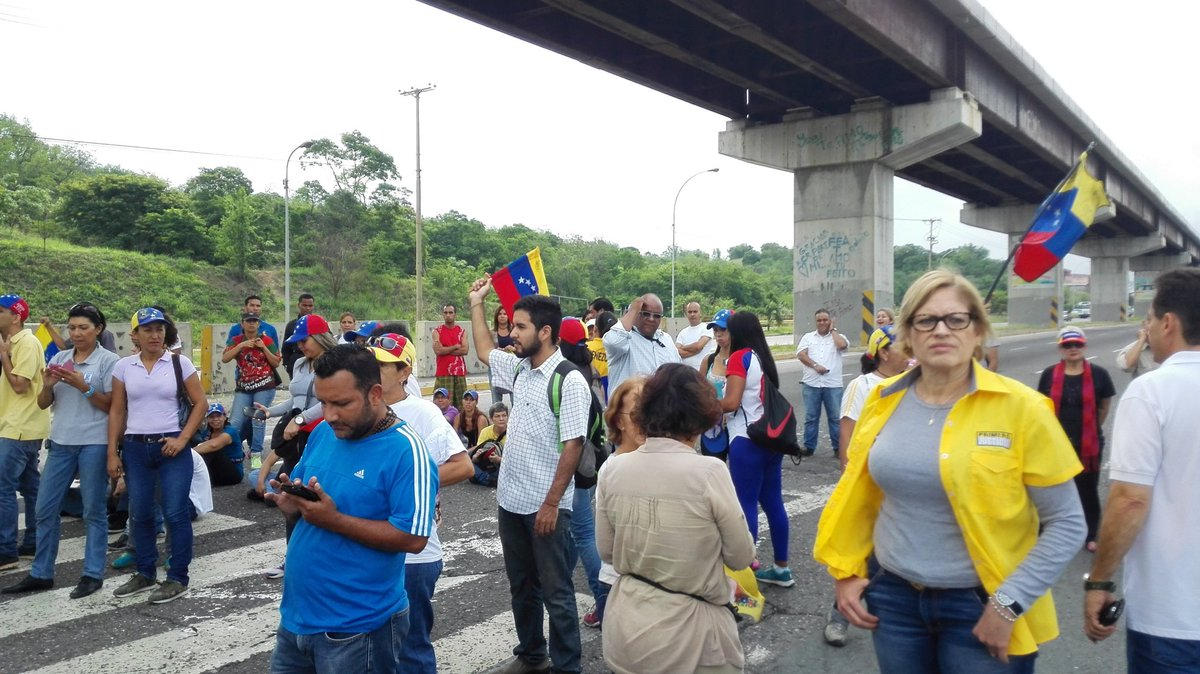 National Sit-in at Guarenas - Guatire highway