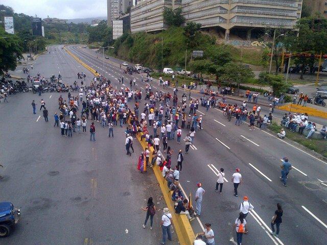RT @Luis24Palacios: #15M #PDE CERRADA 9:30am  https://t.co/ZFKRpksPVf