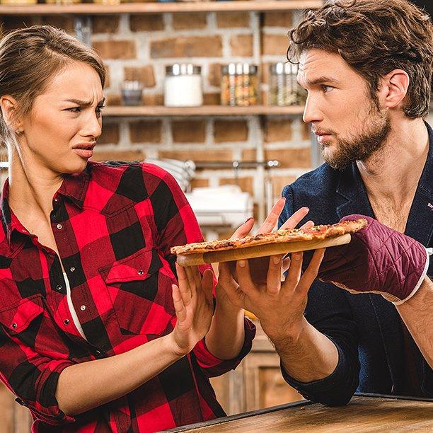 """Quando al ristorante all'estero e leggi """"vera Pizza italiana"""" pensi: perdonali perché non sanno quello che fanno #ParoleOstili #Groupalia https://t.co/CcUytscjxs"""