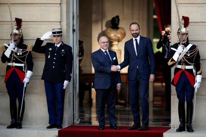 #Edouard Philippe named new French PM -   http:// primenews.com.au/edouard-philip pe-named-new-french-pm/ &nbsp; … <br>http://pic.twitter.com/YhpV96DWLd