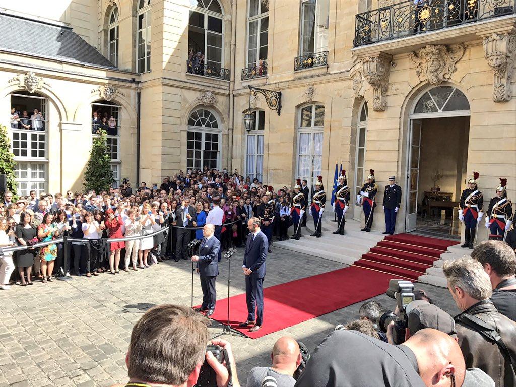 FRANCE RT@LPLdirect ..@BCazeneuve after..named PM ..Philippe claims &quot;right-hand man&quot; #passationdepouvoir #trump<br>http://pic.twitter.com/HQabj2uFJC