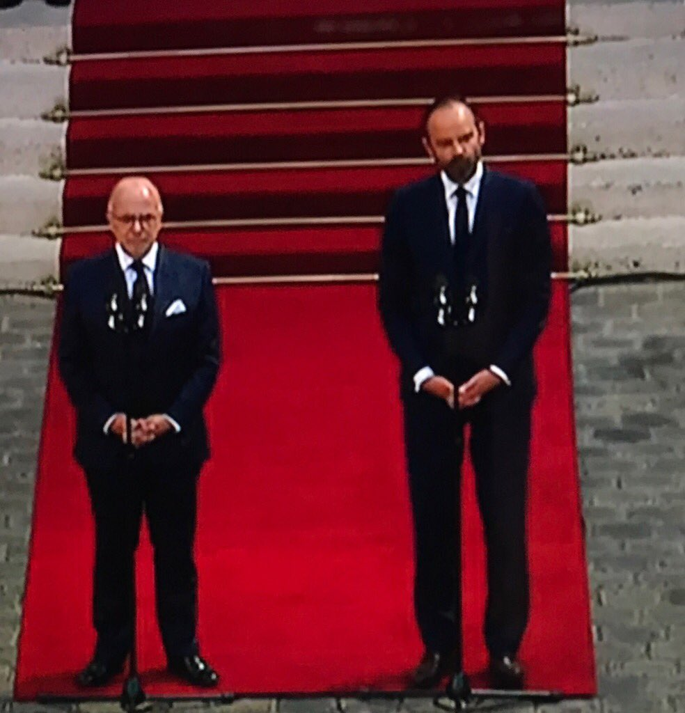 Ex-Pdt #Hollande/&#39;s Socialist PM #BernardCazeneuve hands over to Pdt #Macron/&#39;s centre-right PM #EdouardPhilippe . #France<br>http://pic.twitter.com/W77gzLaKyp