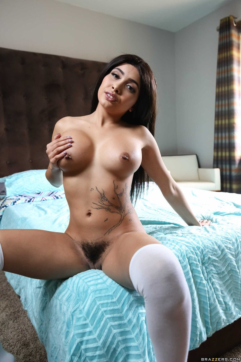 Image result for Aaliyah Hadid nude