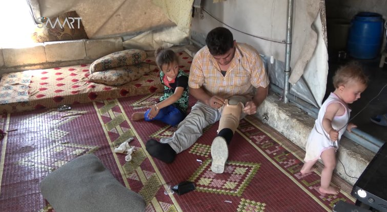 Smart News finds and interviews the father of the girl falsely reported as a victim of organ trafficking in Turkey by the likes of pro-government propagandists such as .@maytham956. The family lost two of their children after Russian warplanes targeted the building they were living in and later moved to a camp near Atimah next to the Turkish border, Idlib governorate, Syria.