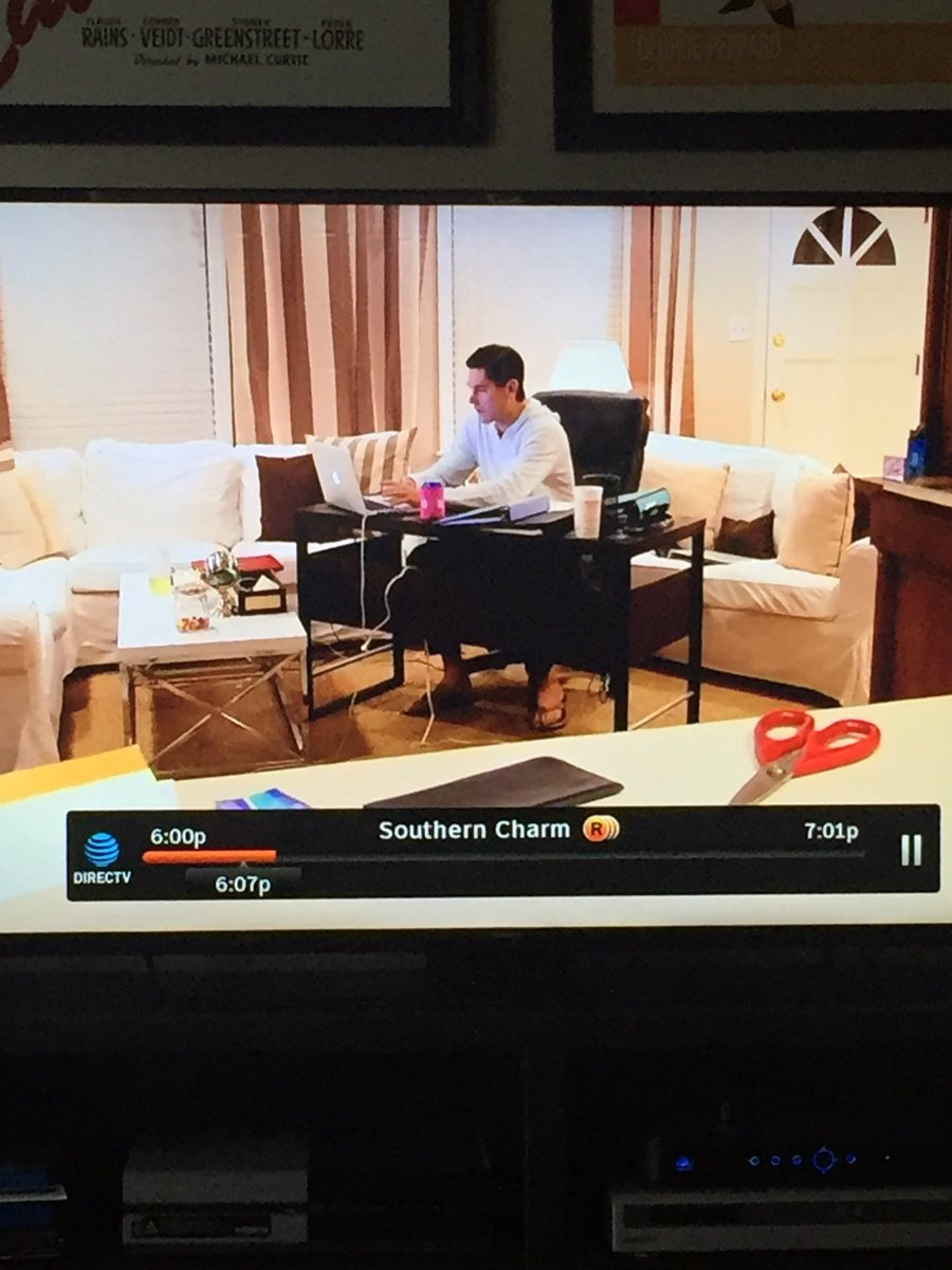 Is anyone else concerned about the placement of Craig's desk? #Souther...