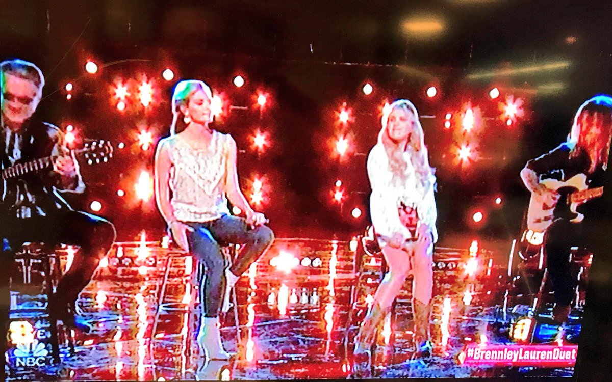 Now THAT's Country. #BrennleyLaurenDuet #thevoice @LaurenDuski https://t.co/TZjyYKjMHm