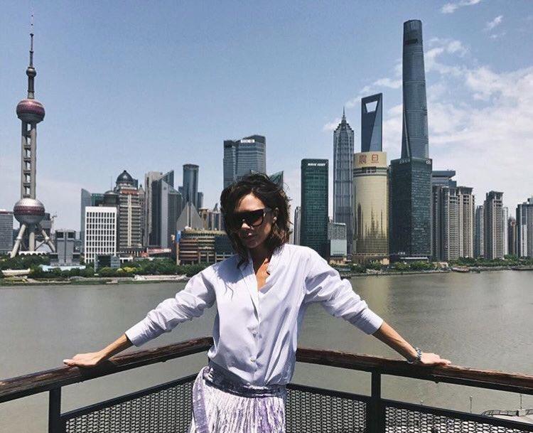 Beautiful day in Shanghai! x VB #VBxEsteeLauder https://t.co/TcEgifSkzK