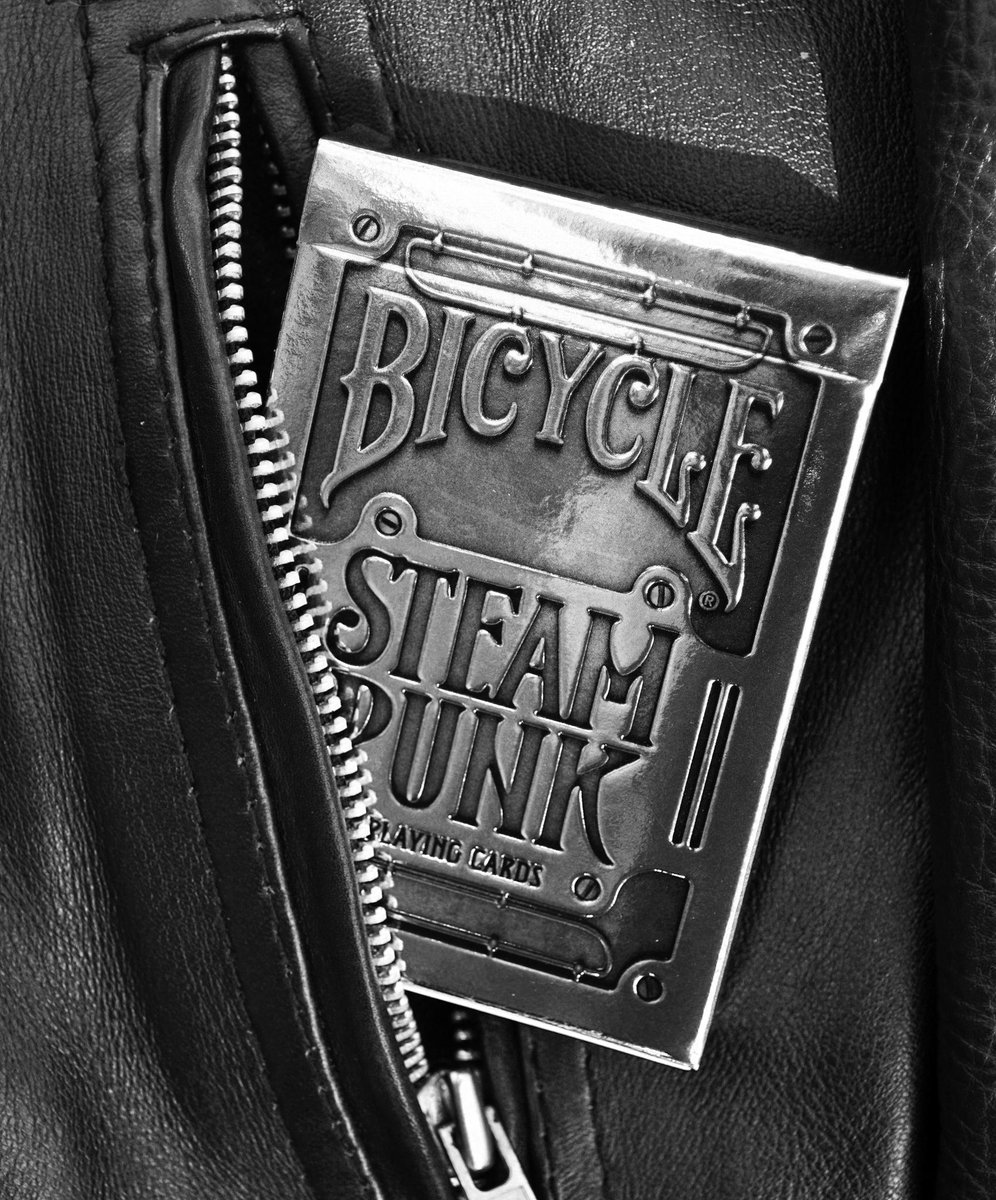 My Daily #SamaCollection Tweets with @ThomasMoszczuk @VicFoundry - Feat. @bicyclecards https://t.co/iLWqTUZNn7