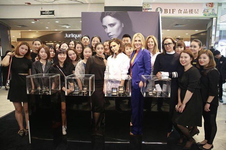 Thank you to all @EsteeLauder for making my launch in Shanghai so fun! x VB 💄 #VBxEsteeLauder https://t.co/rFTwcV7RFg