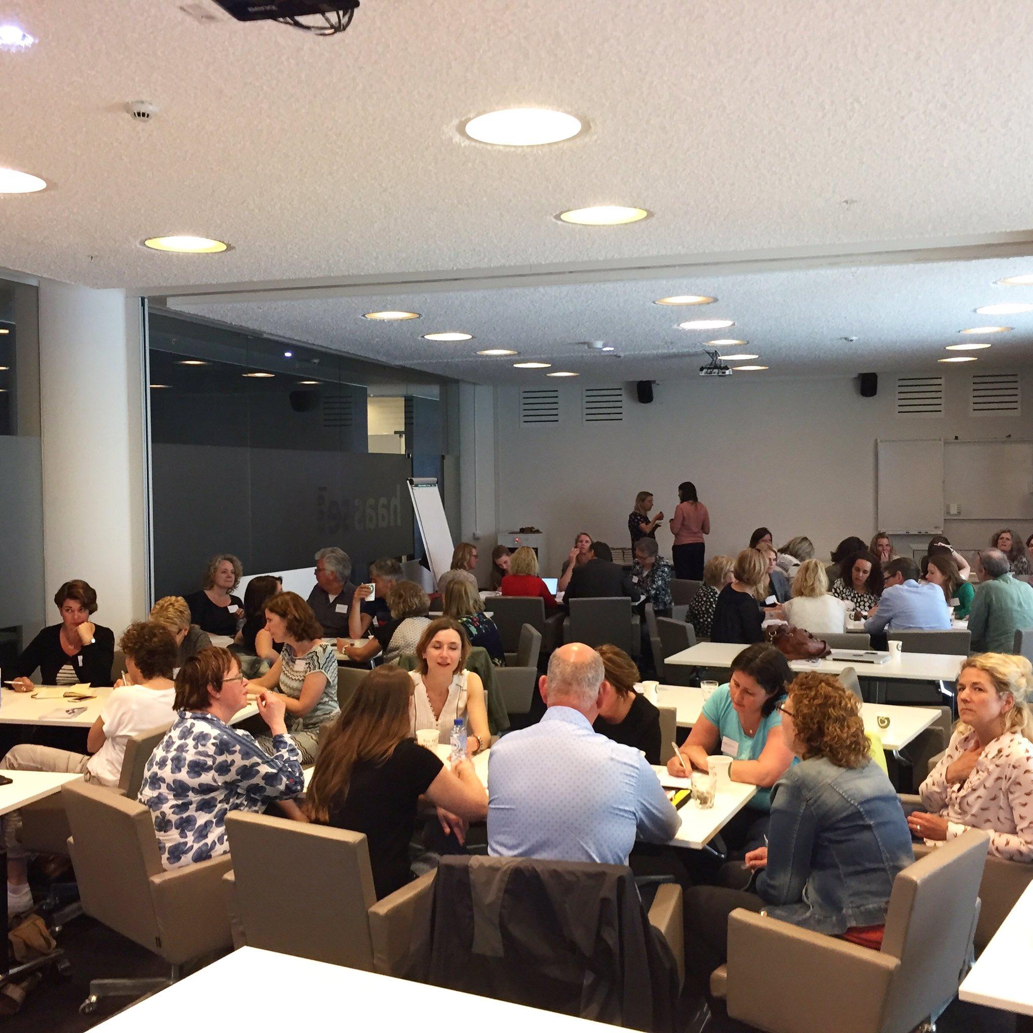 Workshop voor 50 biebmedewerkers #oba https://t.co/PvMhZP8fFt