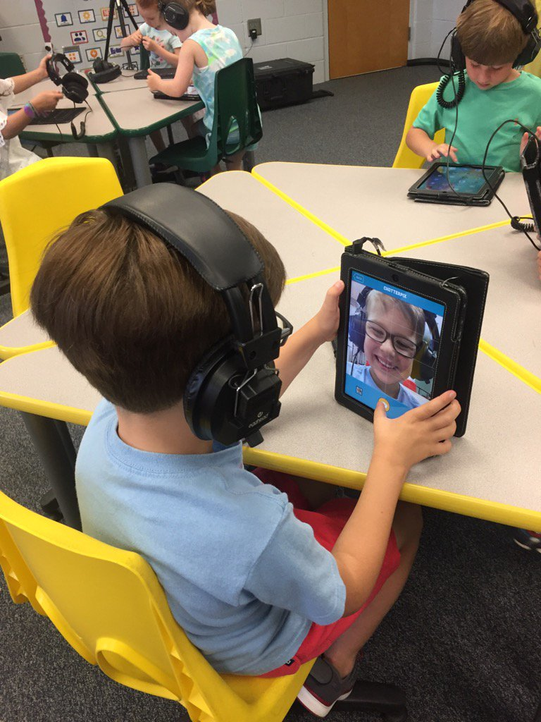 Finishing out the last week of technology classes with @ChatterPixIt about our favorite parts of kindergarten! https://t.co/tDMYCPYFEK