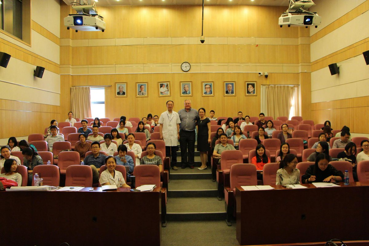 Photos with pharmacists and students attended the evidence base practice study day at Peking University Third Hospital on 11 May 2017. #PUTH <br>http://pic.twitter.com/fbHmKkiS8G