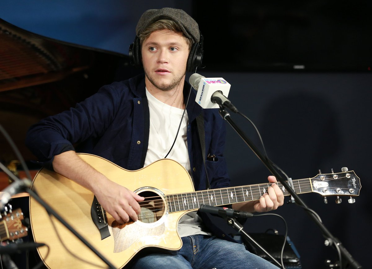Congrats @NiallOfficial! #SlowHands had the BIGGEST jump of the week on the #WeekendCountdown! https://t.co/Wdz9v5PbZo