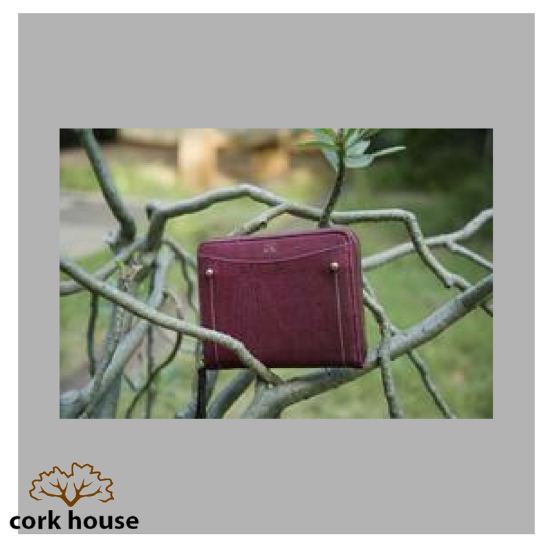 Sustainable fashion never goes out of style. #TheCorkHouse #Fashion #Accessories #Sustainable #Reusable #EcoFriendly #GoGreen #ThinkGreen<br>http://pic.twitter.com/qNV4rS9pYO