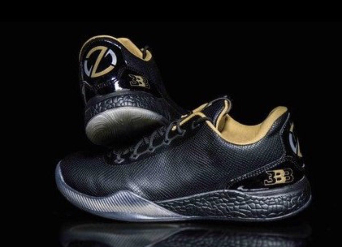 90a6bafb520 MichaelRapaportVerified account  MichaelRapaport · 4 May 2017. Duct Tape  1 s by Big Baller Brand.