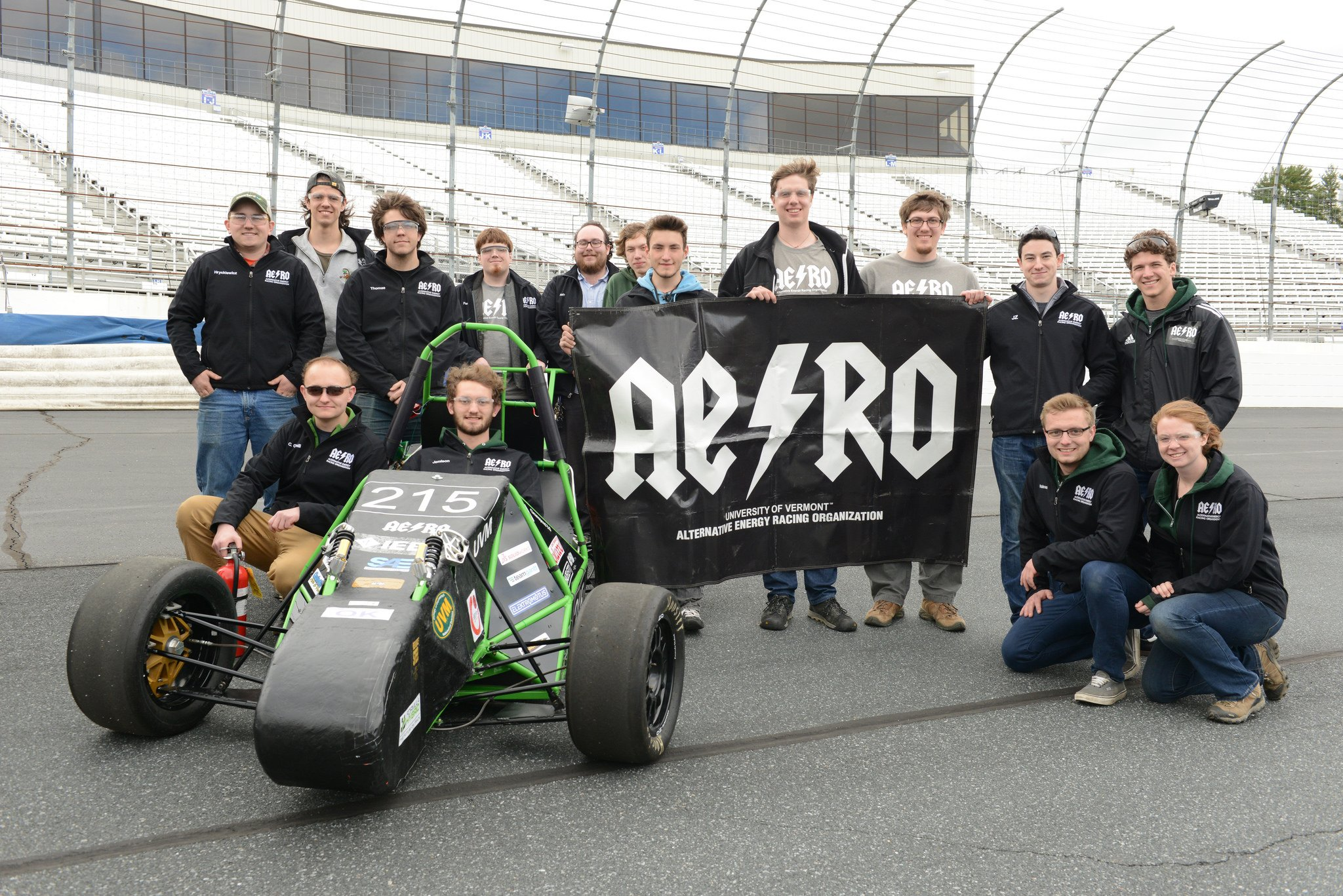 Congrats to University of Vermont @uvmvermont for taking 3rd place in electric #formulahybrid17! @bfp_news https://t.co/EeqqvuHcy7