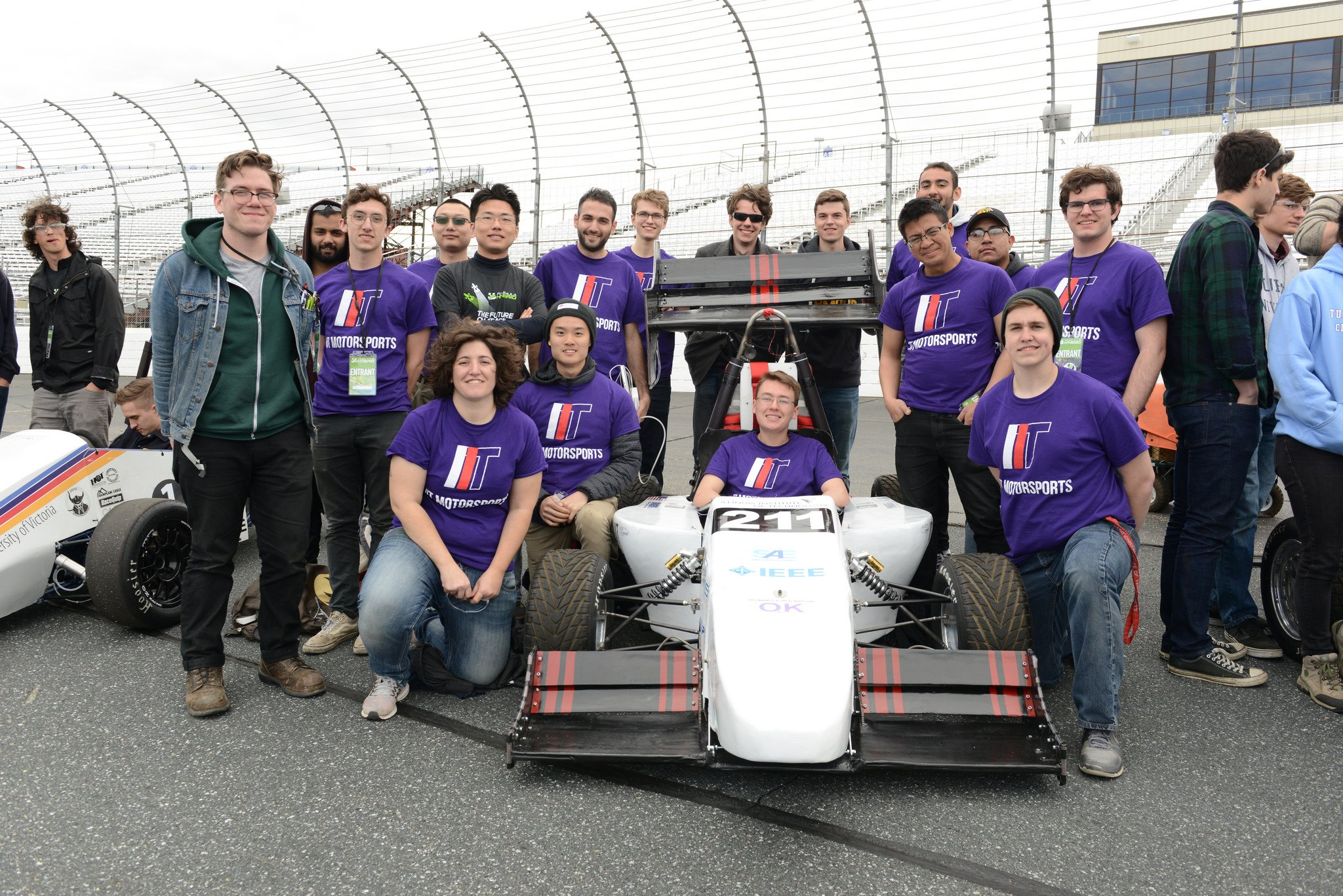 Congrats to Illinois Institute of Technology @IITEngineering @illinoistech for taking 4th in electric at #FormulaHybrid17! https://t.co/3ka7bxCb0P