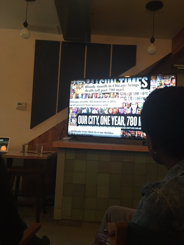 After introductions, we're watching Another Life: Episode 1 at the #publicnewsroom #healchicago https://t.co/JnXfcsPgeh