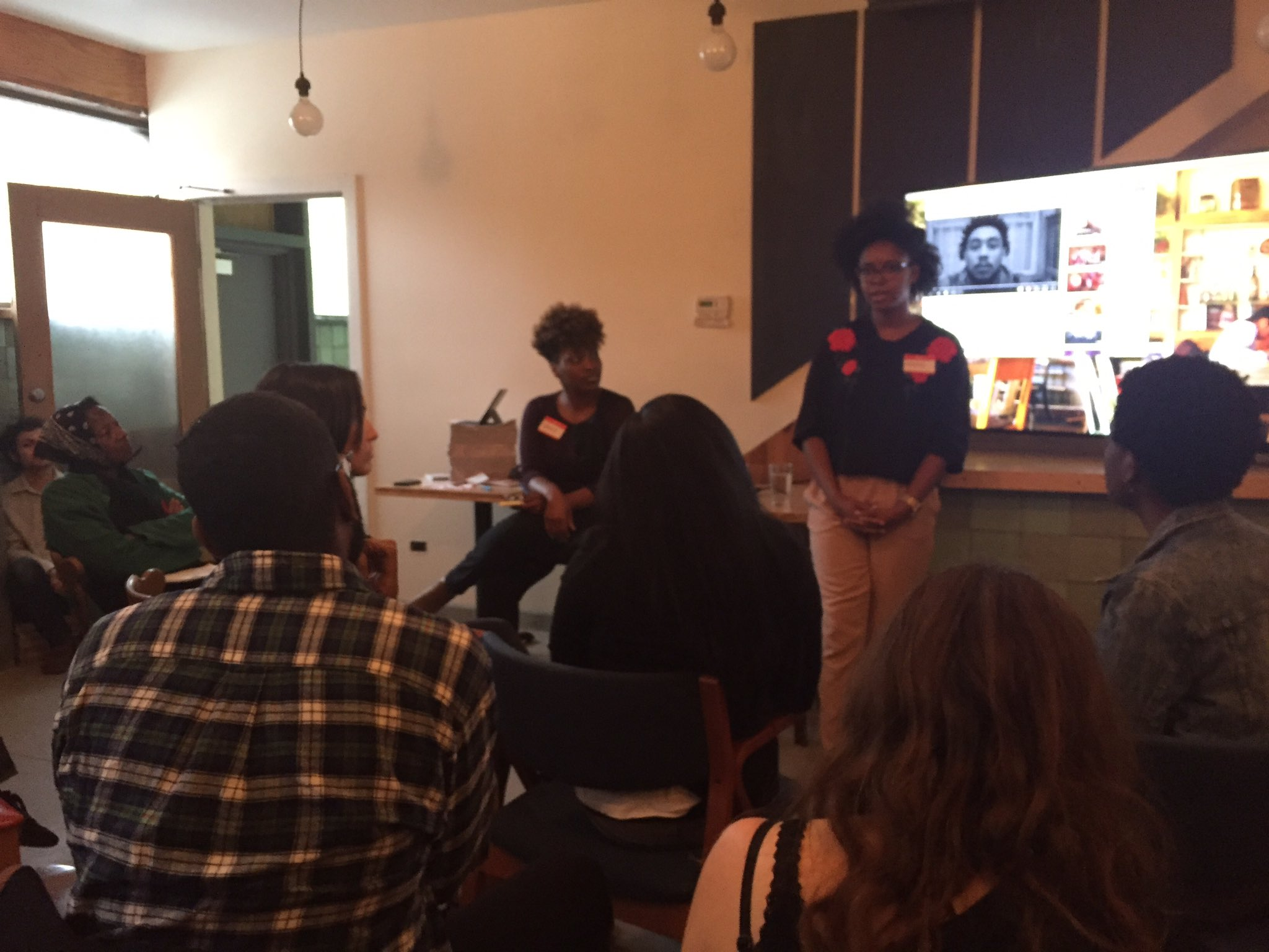 .@Waldens_Block @MorganEliseJ lead talk on how Chicago media covers violence, compared to @thetriibe mini-doc #publicnewsroom #healchicago https://t.co/frZCVUfAcg