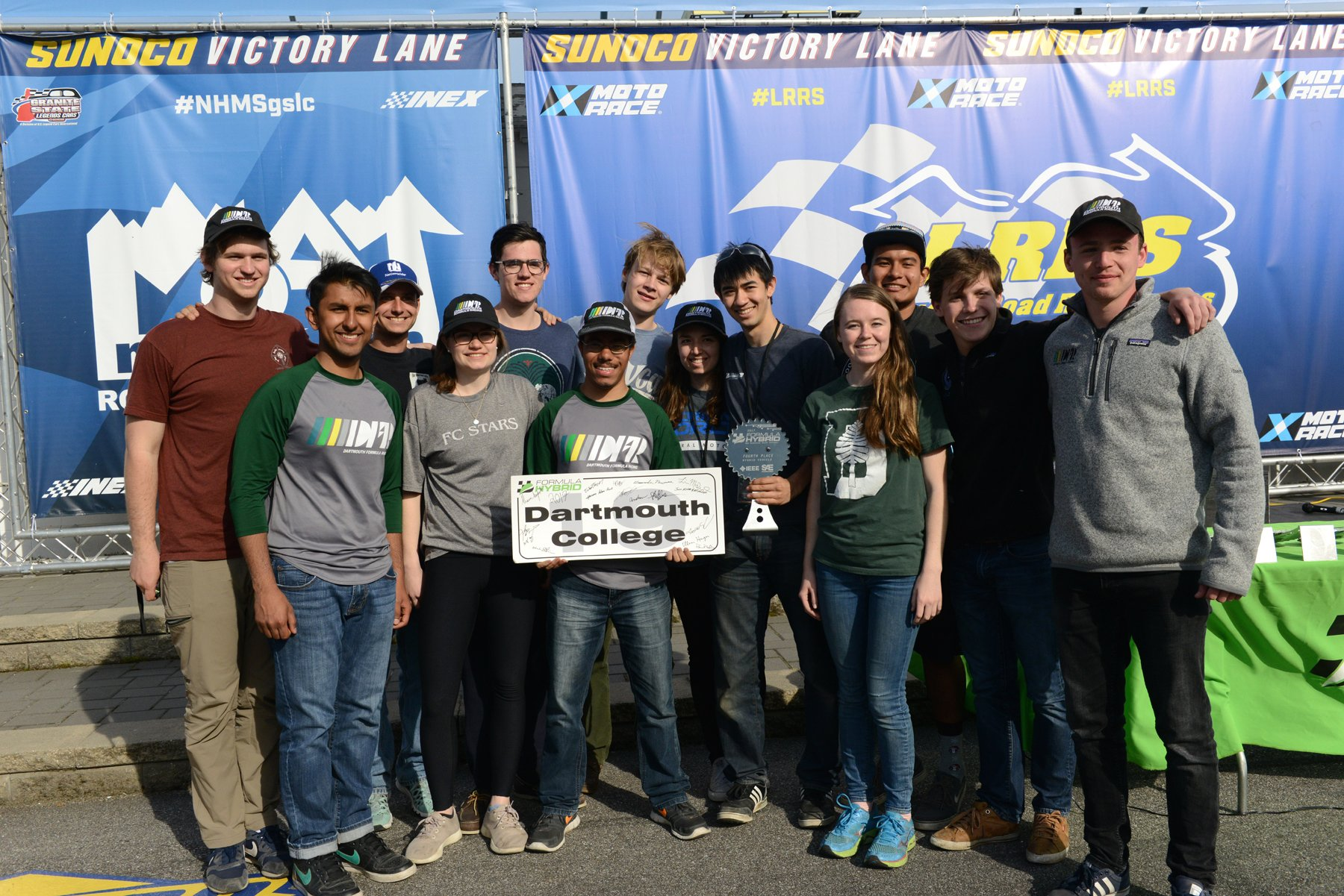 .@Dartmouth Formula Racing takes 4th place in hybrid category! #formulahybrid17 https://t.co/7JAttiZJwG