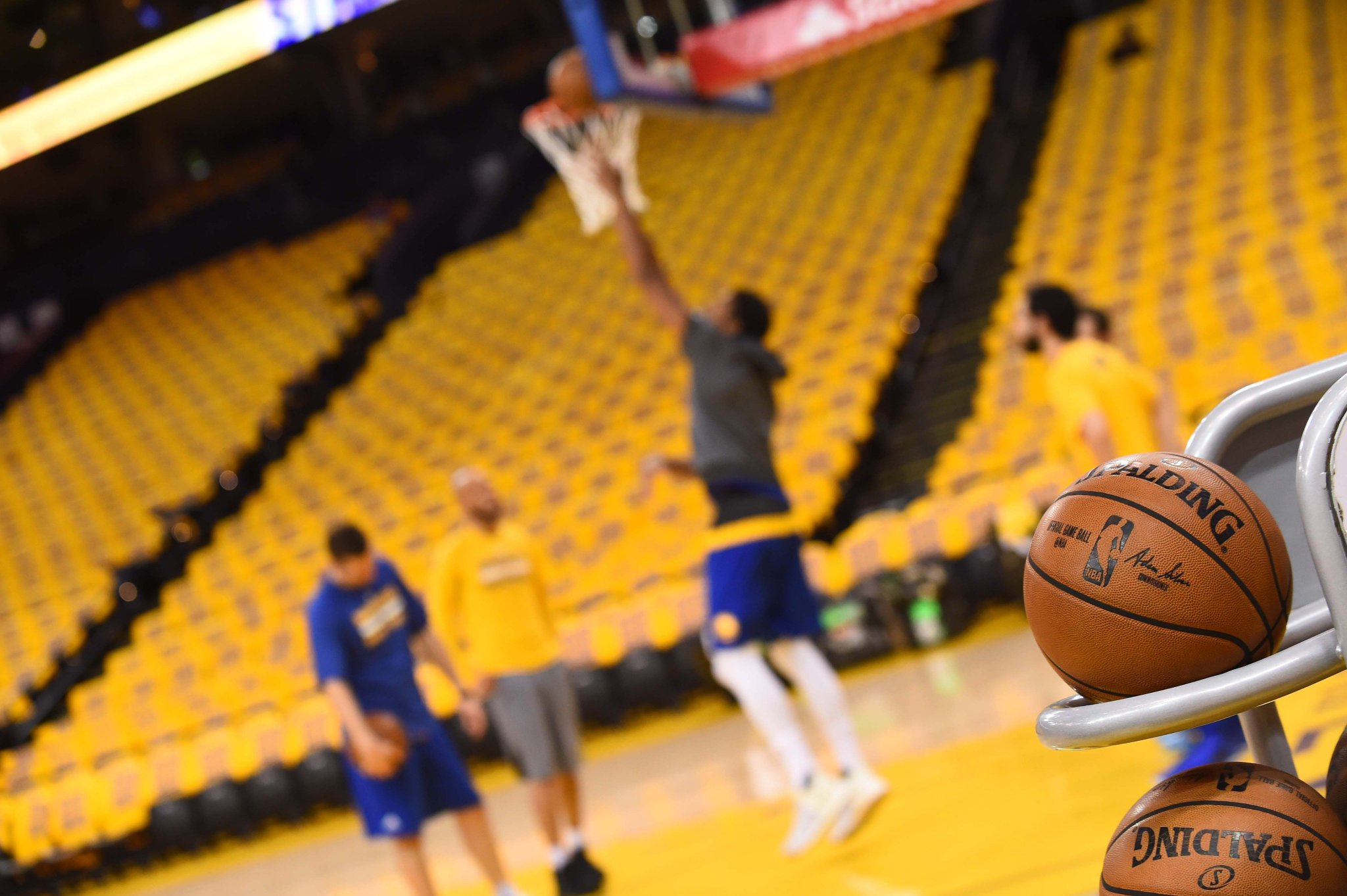 Game days are the best days. #DubNation https://t.co/yyyYQRWs3g