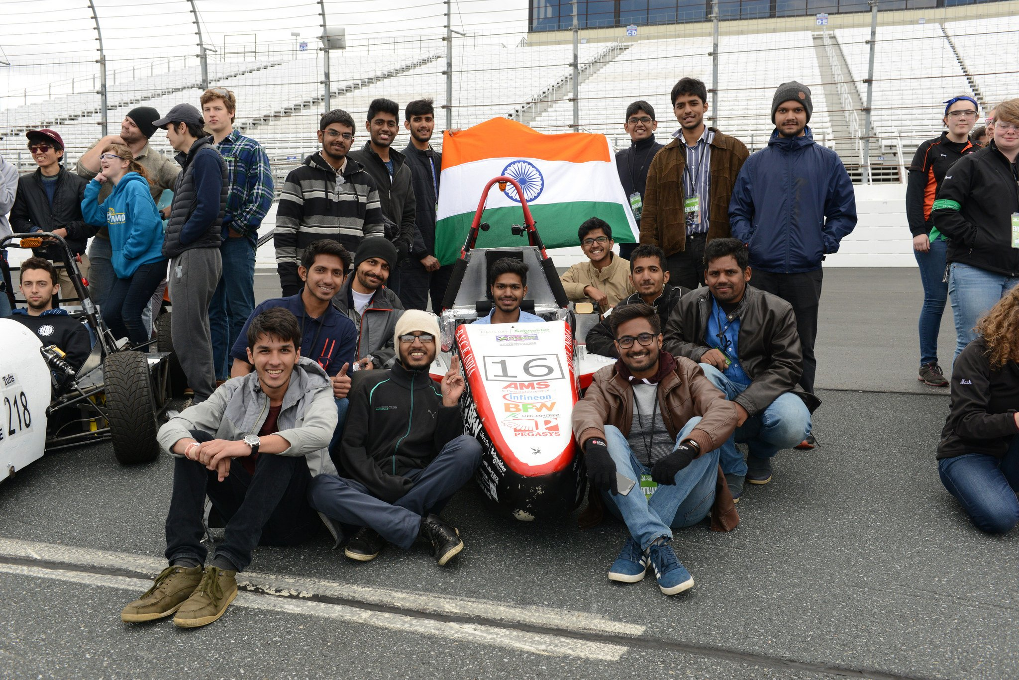 Congrats to @ashwaracing for 2nd place in the hybrid competition at #FormulaHybrid17! from RV College of Engineering @timesofindia https://t.co/F5AHoPvW1r