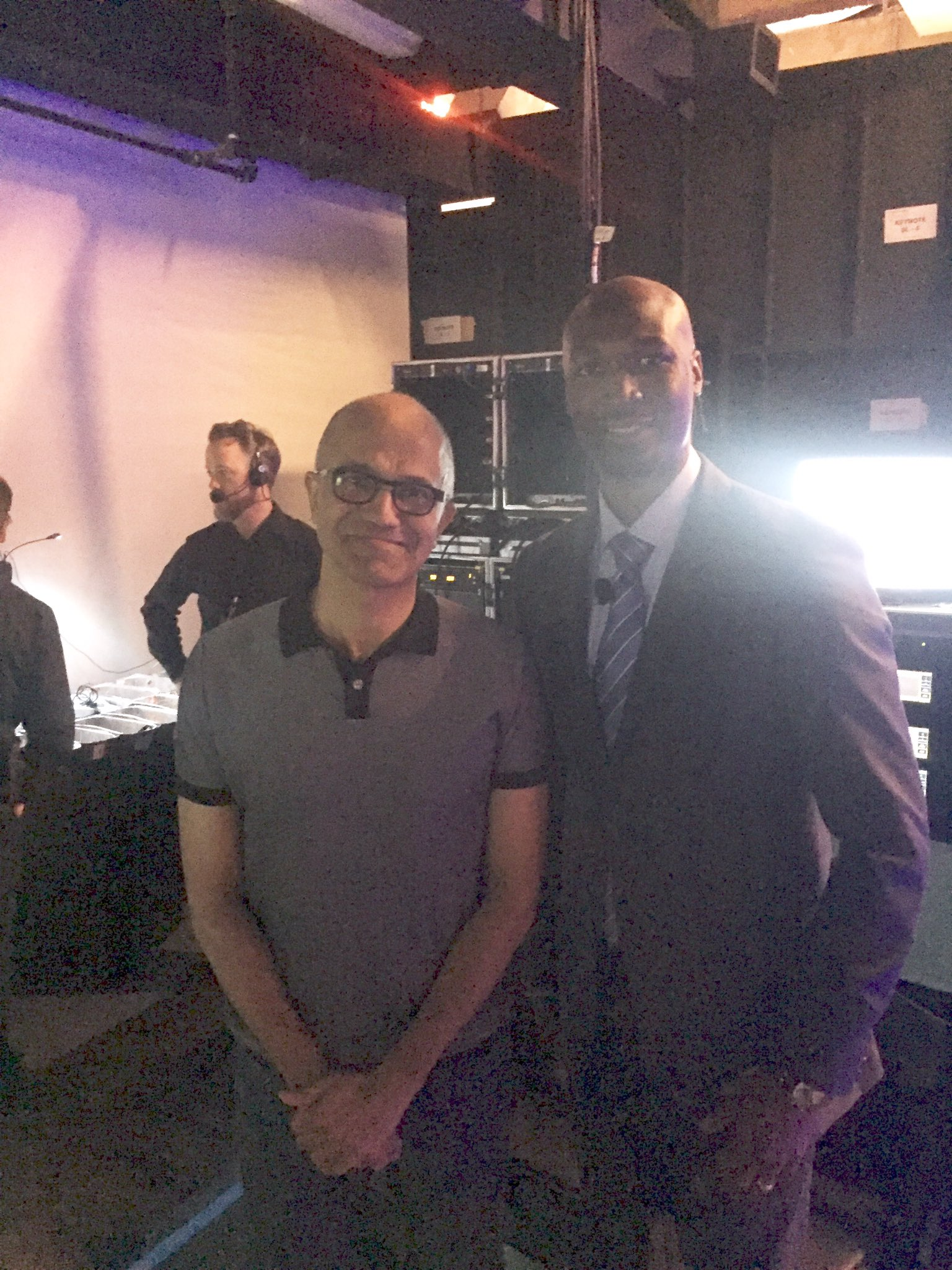 Backstage with @satyanadella super cool guy. Visionary. Innovator. Disrupter. @MicrosoftEDU #learnwhatsnext https://t.co/VTl5SGaFIx