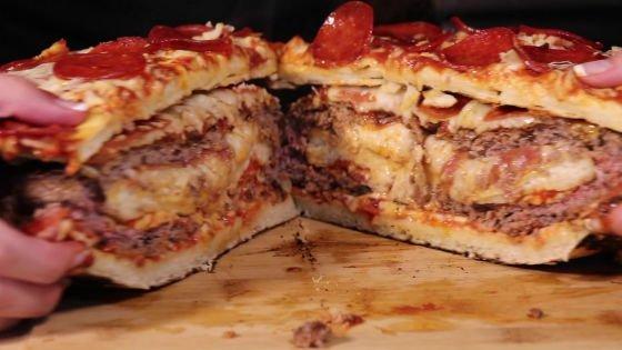 カオスすぎて辛いwwピザの入ったハンバーグをピザで挟むww
