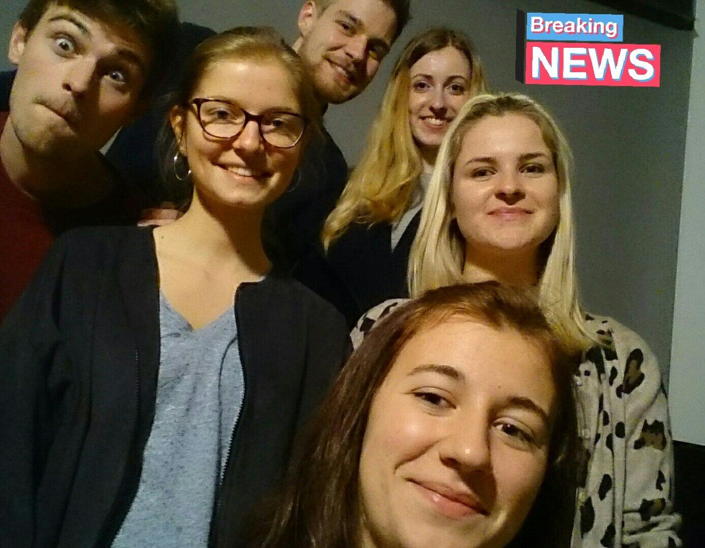 Unsere Live-Redaktion wird heute für euch von den JugendPolitikTagen berichten 🍊 Gleich geht's los! @BMFSFJ  @ManuelaSchwesig #JPT17 https://t.co/hRwO79aqWM