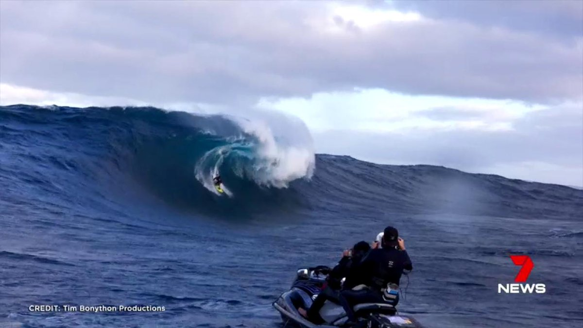 West Australian surfer Shanan Worrall has taken out an international award for big wave riding.
