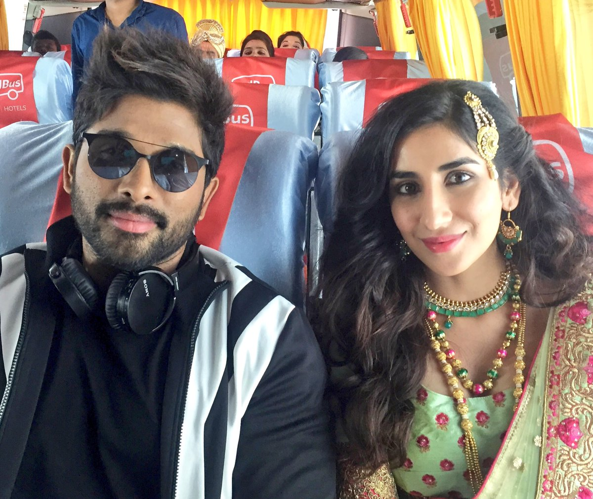 Throw back to the time when i shot with this Mega Superstar @alluarjun for @redBus_in . https://t.co/MG2Q7yhDey