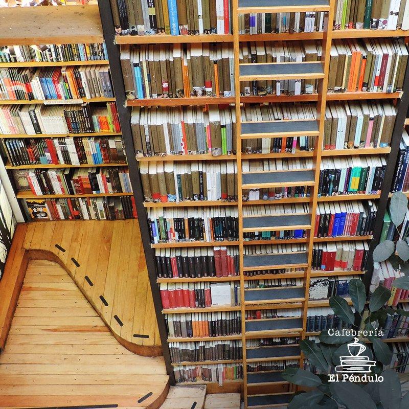 """""""Junto con los libros debiera venderse el tiempo suficiente para leerlos"""". Arthur Schopenhauer https://t.co/HHDNLSs7yN"""