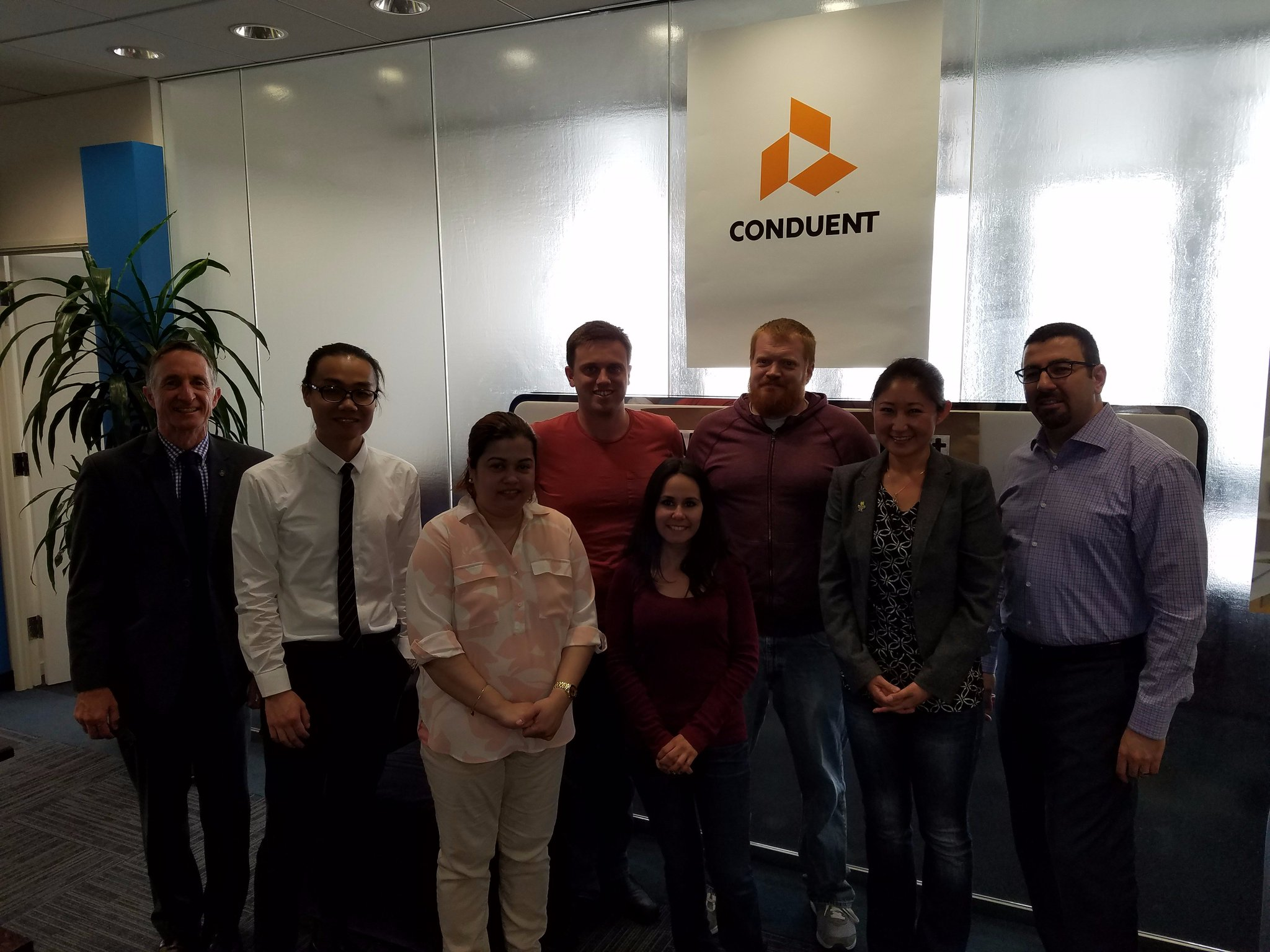 For more perspective into the private sector, students also hit up @Conduent's Los Angeles office this morning! https://t.co/shVsRWRZJi