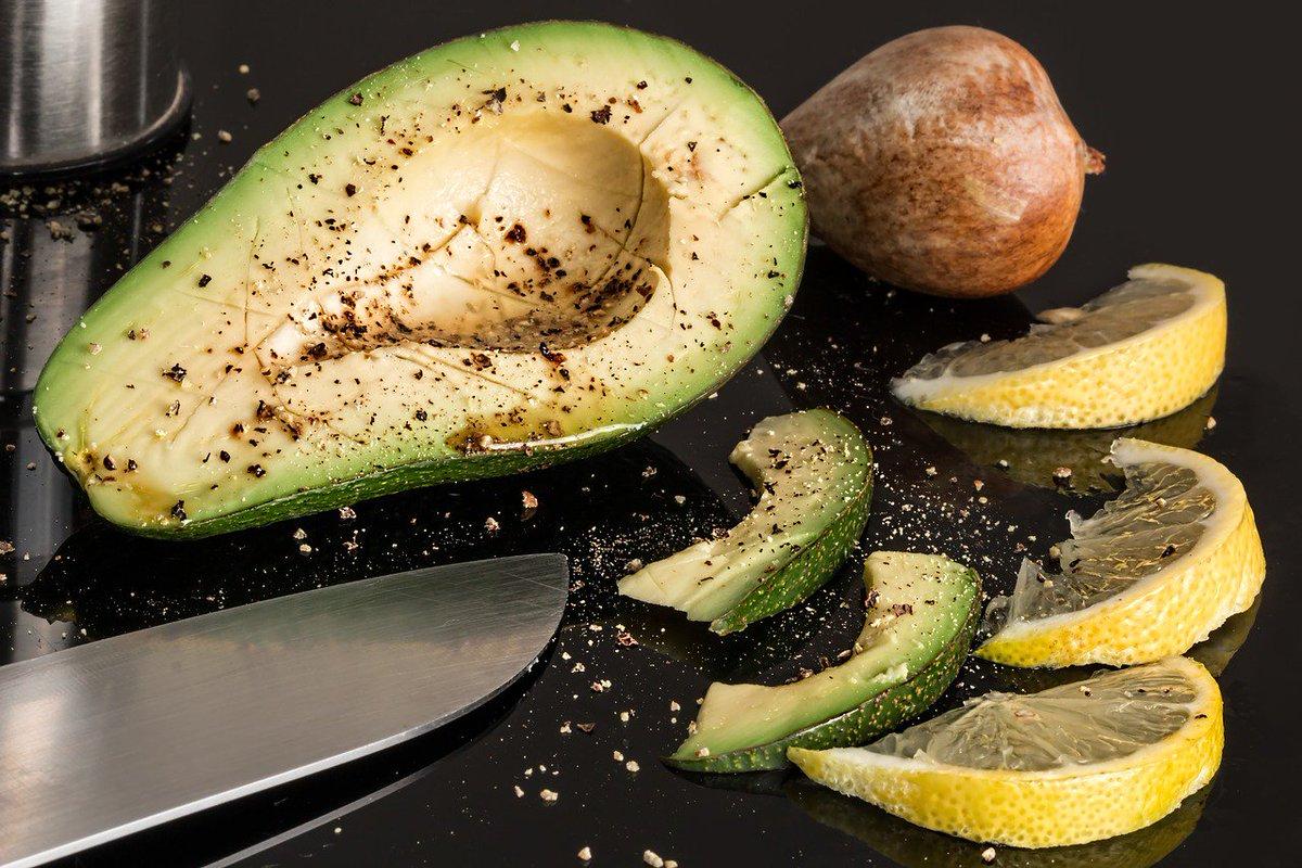 Avocado, un functional foods che bisogna saper come aprire