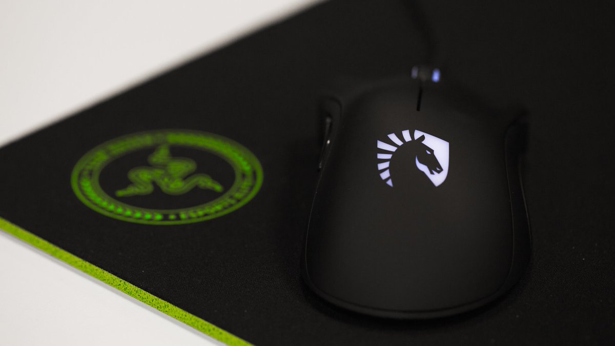 Team RZR On Twitter The Gigantus Razer Edition Mouse Mat