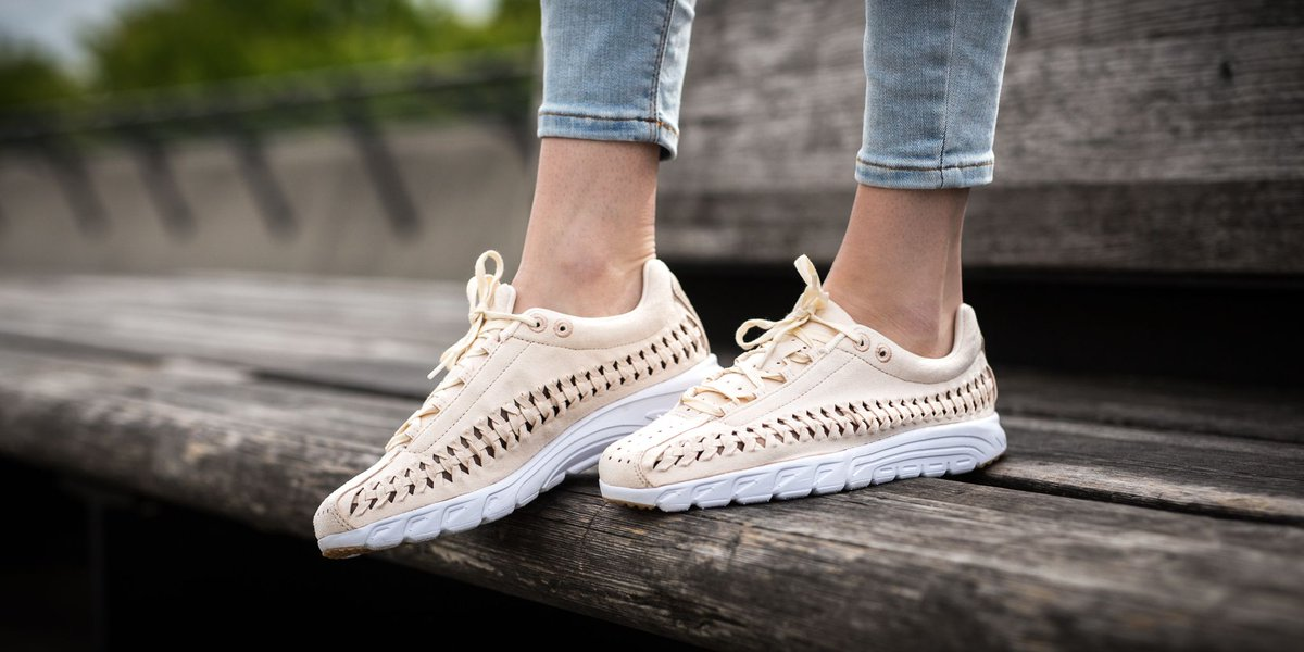 aa96e6d9d1d ... TITOLO on Twitter  Nike 919749-500 Womens ShoesNike Mayfly Woven QSHot  Barely ...