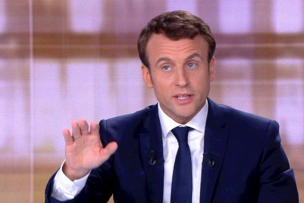 #Macron blasts huge #hacking attack just before #French vote https://t.co/IhBeHVnlAj #MacronLeaks #LePen #MacronGate
