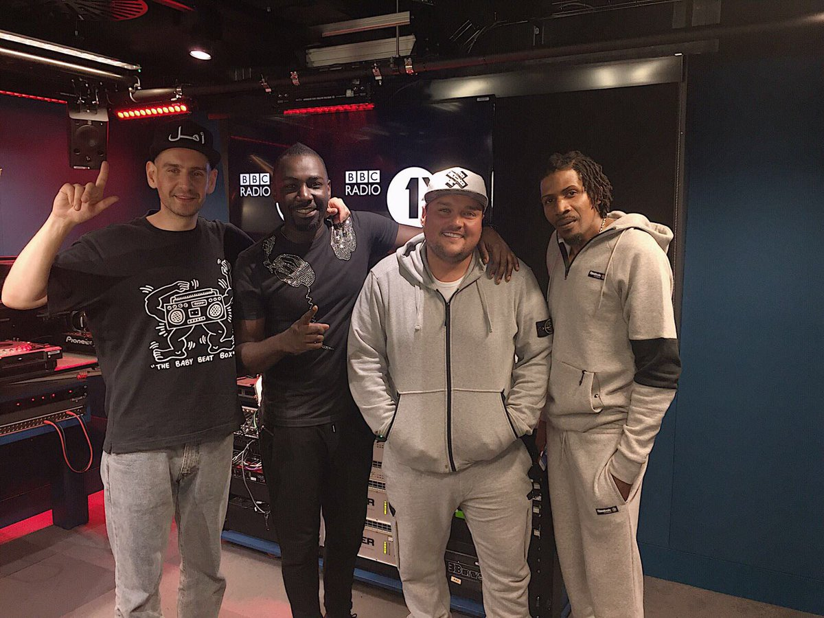 @HeartlessCrew #fireinthebooth tonight at 10pm with @CharlieSloth on @BBCR1 and @1Xtra #vibesagorun