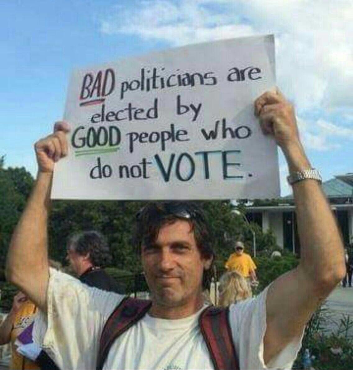 شعار انتخاباتى در كانادا:  سياستمداران بد توسط مردم خوبى كه راى نميدهند، انتخاب ميشوند. https://t.co/7E43YhdxTR
