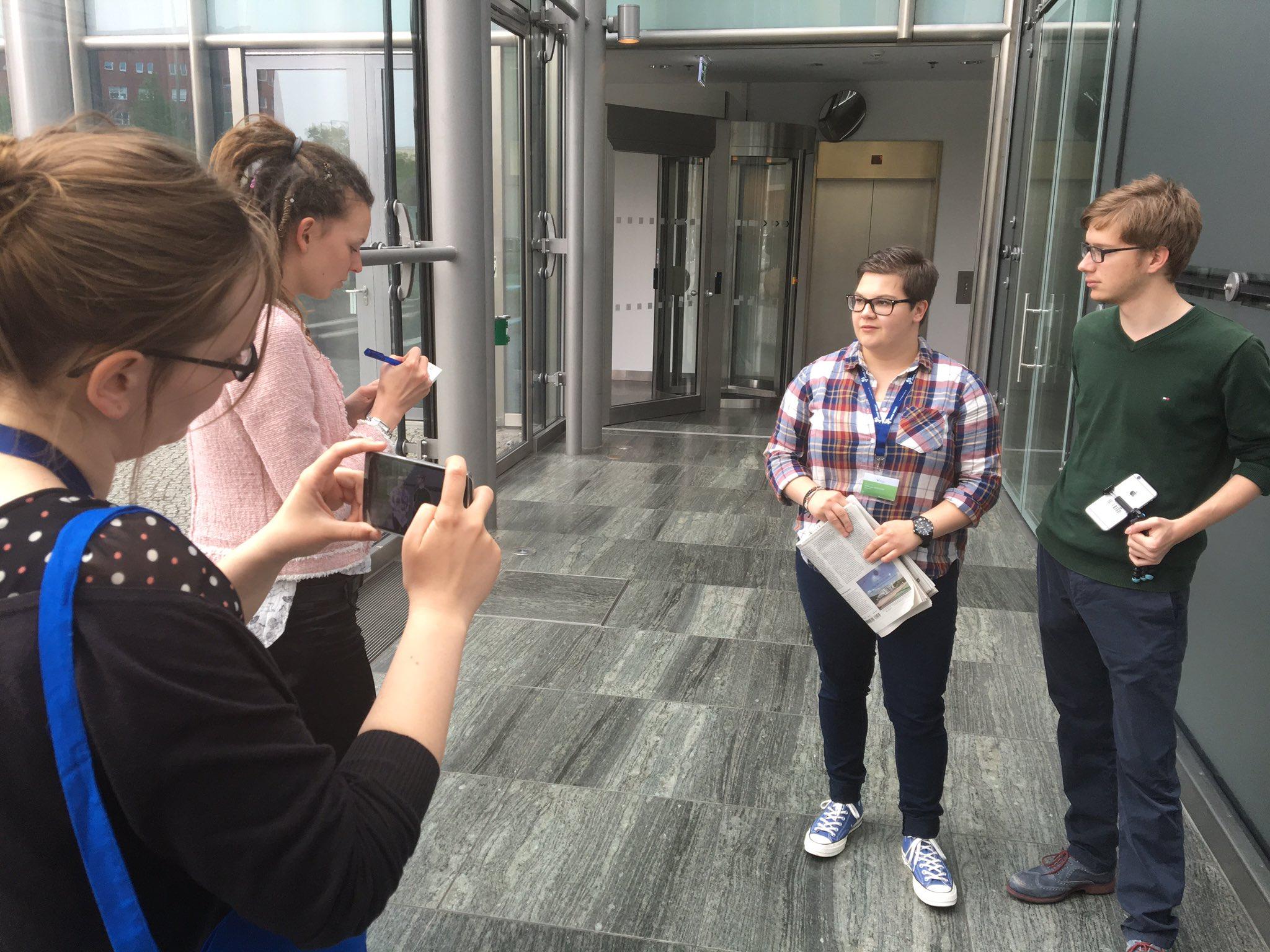 #Vision2017 der @jungepresse @asakademie in #Berlin: Ticker-Workshop trifft auf Mobile-Reporting-Workshop https://t.co/woXqGLMRlH