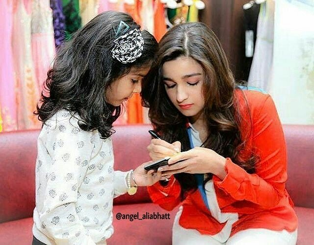 Cuteness overloaded  @aliaa08  #AliaBhatt #angel_aliabhatt #cuteness #instalike #instagood #love #Bollywood #FolloMe<br>http://pic.twitter.com/qz6Ed2W3e8
