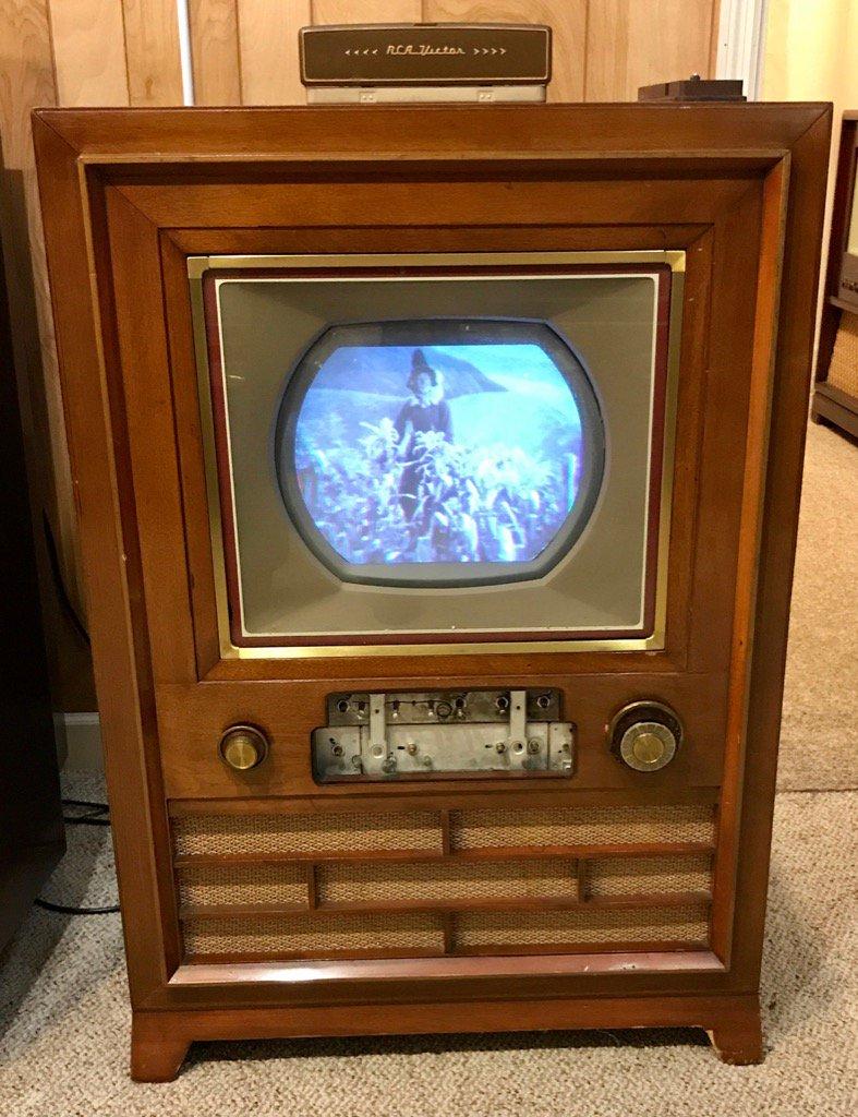 Первый цветной телевизор картинки