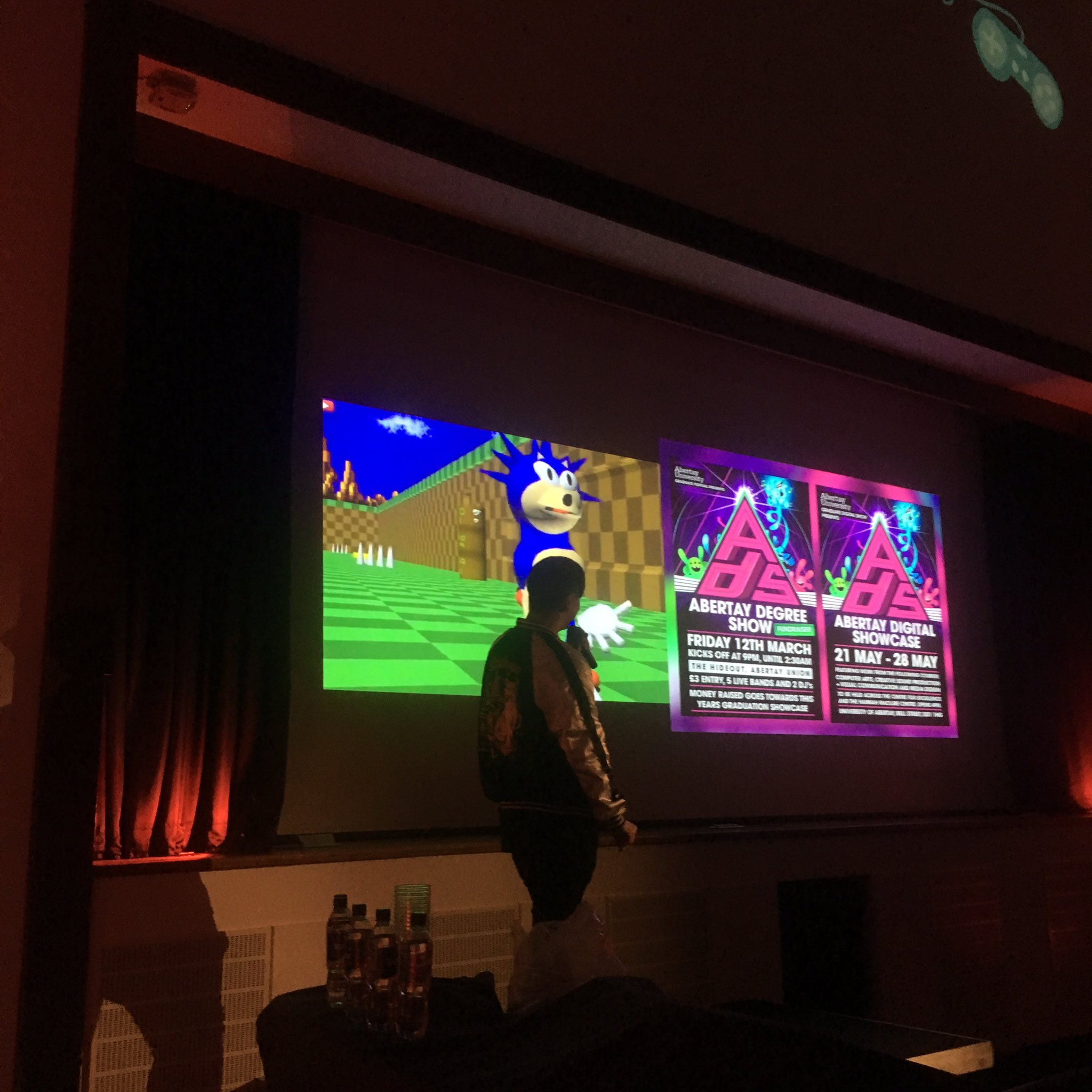 There's @liamwong keeping the Pecha Kucha on brand  #GamesPK https://t.co/qF52RV6dMv