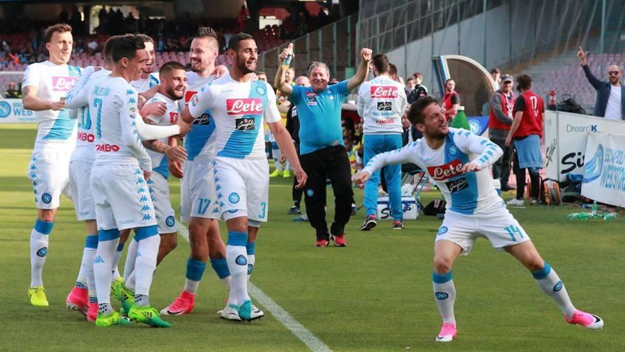 Anticipo Serie A, Napoli-Cagliari 3-1: doppietta Mertens e secondo posto in classifica