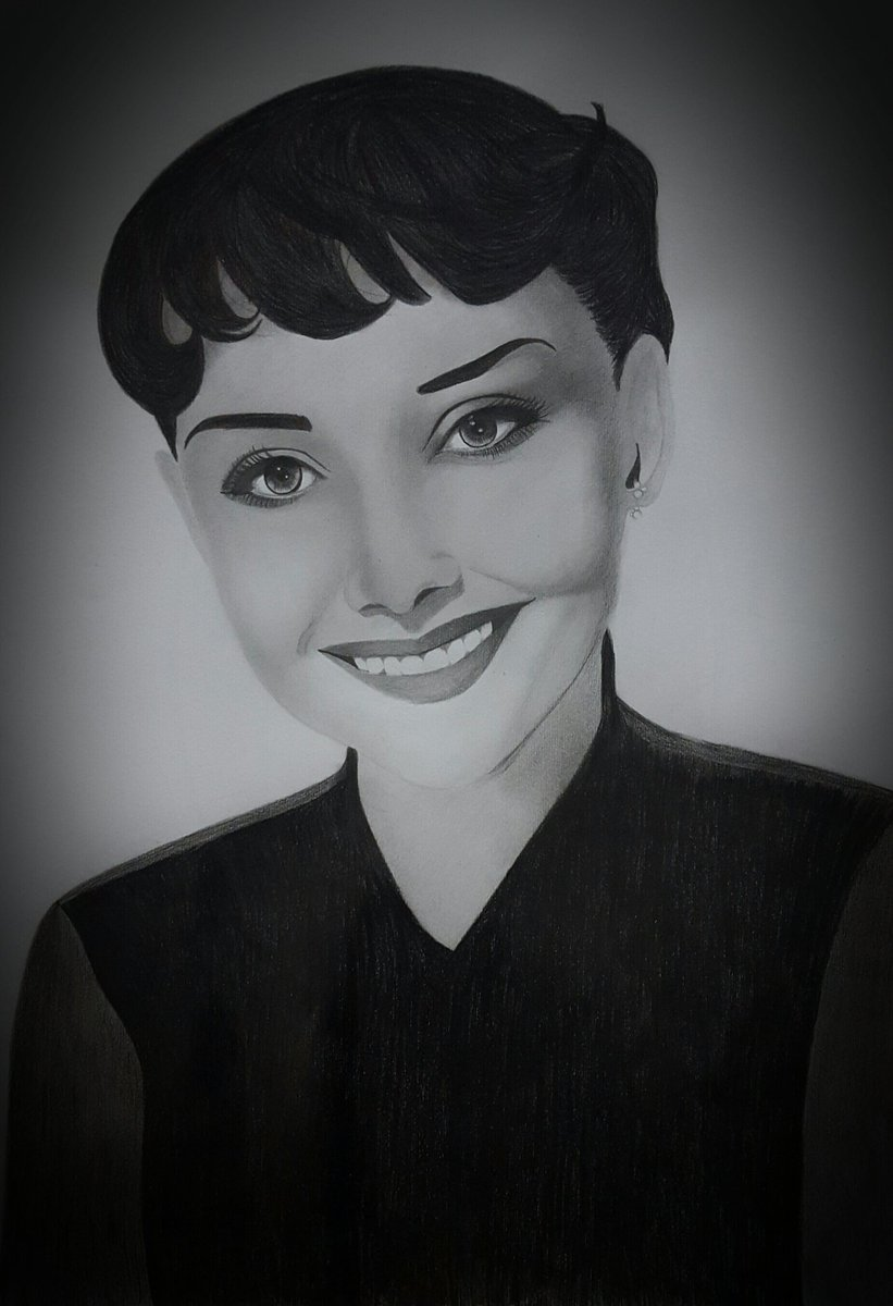 Finally finished ♡ #sketching #facedrawing #audreyhepburn #pencildrawing #art #worldofartists #realism #realisticart #artwork #movewith_art<br>http://pic.twitter.com/79ALVREXKV