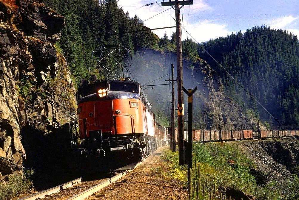 C LJBVKXoAIfVxj - Electric Railroad through the Rockies