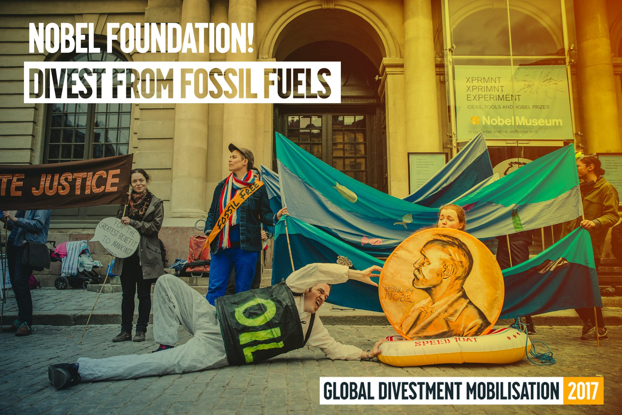 No flooding - no fossil investments! We need action to keep the poor Nobel Prize medal afloat #fossilfree #divestera https://t.co/z6KLq1TAJH https://t.co/4vhqFAtMHx