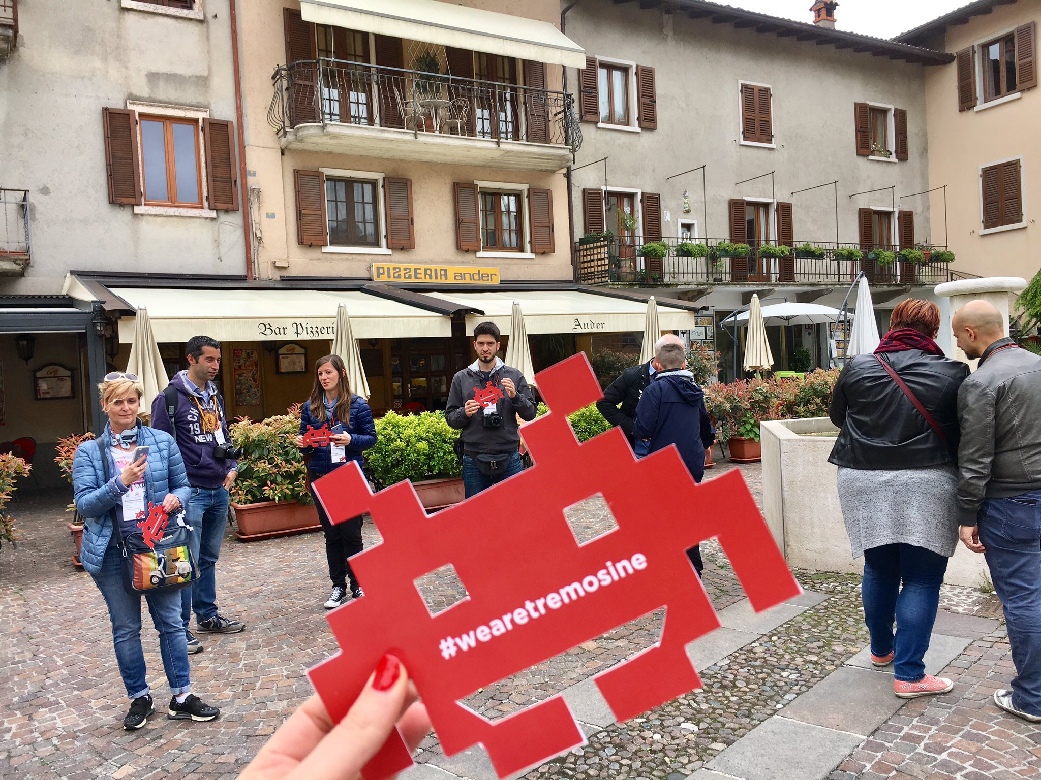 3, 2, 1....partenza! #wearetremosine #invasionidigitali https://t.co/UXJBwJ6pwB