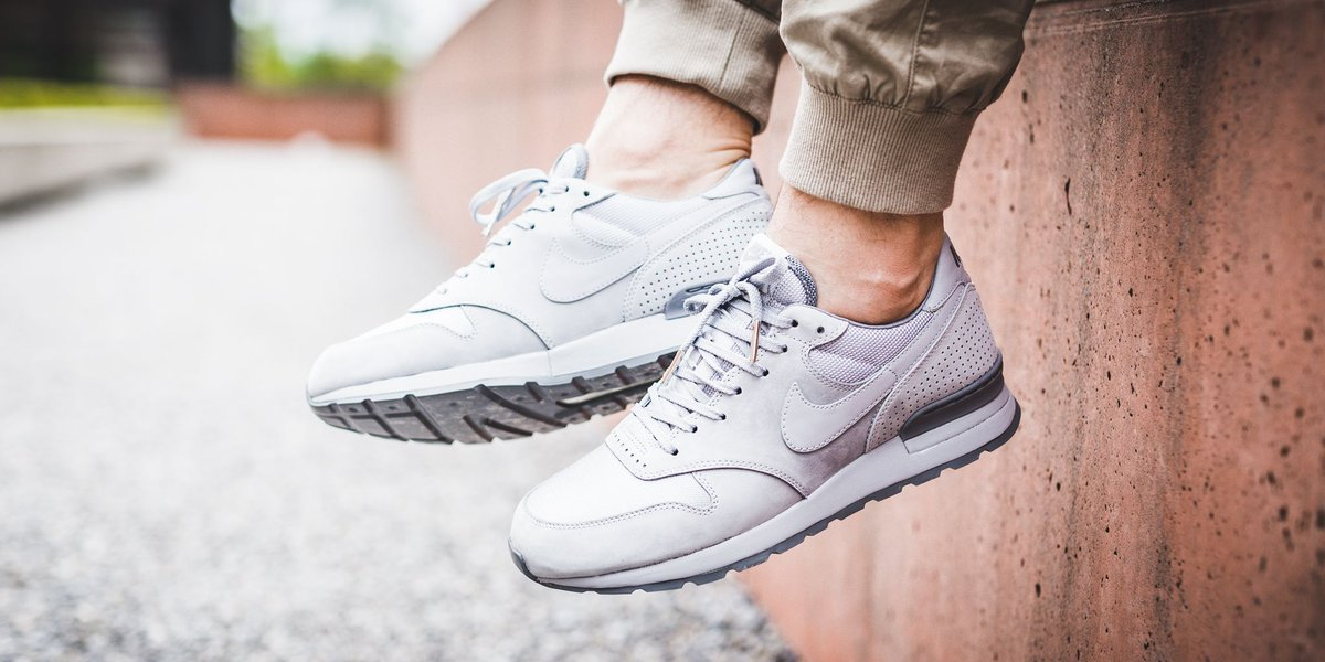 967e008924b4 NEW IN! Nike Air Zoom Epic Luxe - WOLF GREY WOLF GREY-COOL GREY SHOP HERE   http   bit.ly 2pU3jey pic.twitter.com 5DhrGopOWt