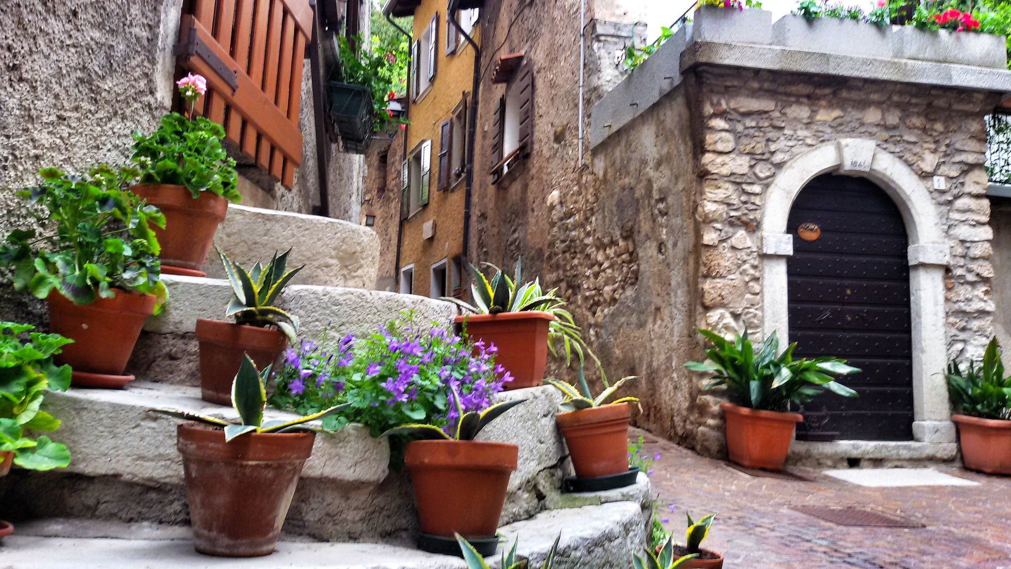 Scoprire uno dei borghi più belli d'Italia #tremosine #wearetremosine #invasionidigitali #italianvillages #inLombardia #garda https://t.co/NVZd2KFR4f